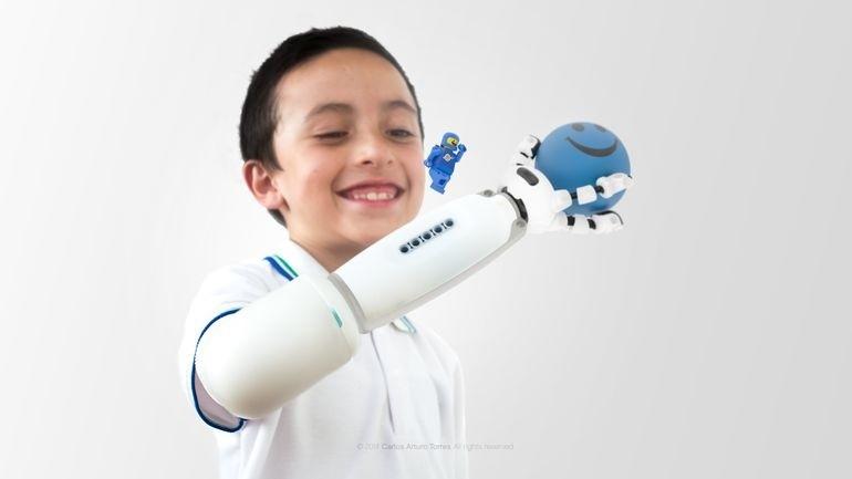 乐高义肢:让孩子的想象力尽情驰骋1