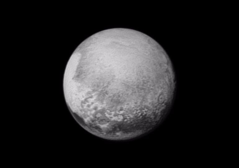 载入史册!新视野号飞掠冥王星2