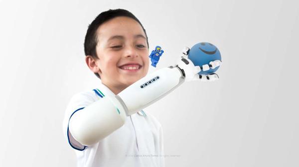 乐高最酷人工义肢机器人造福残疾儿1