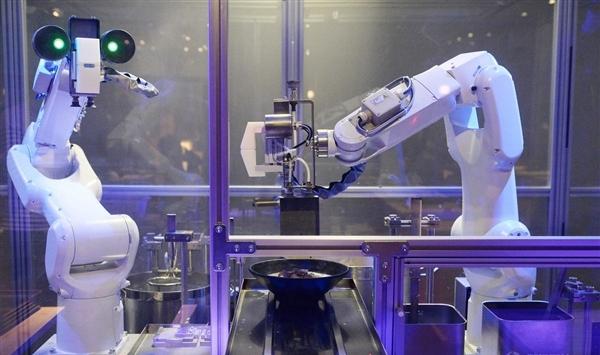 机器人拉面馆现身上海:90秒一碗2