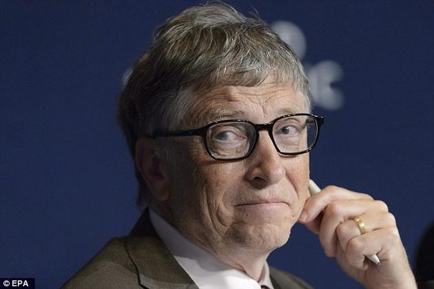 """比尔""""盖茨谈人工智能:机器将在未来10年内变得比人类更聪明"""