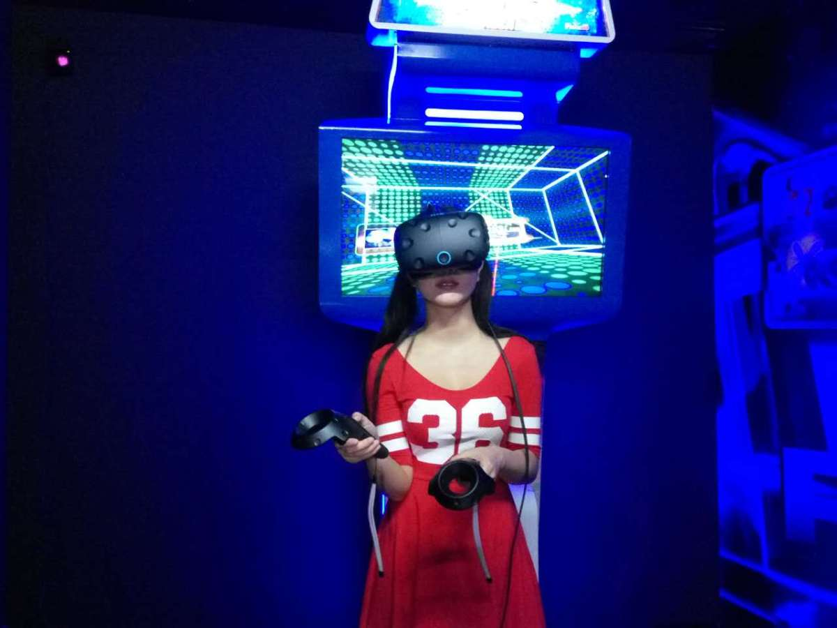 未来已来,FAMIKU带你畅游VR世界