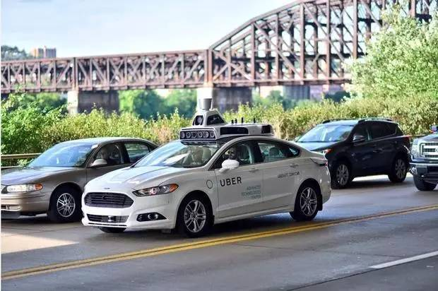 Uber无人车在旧金山不仅仅是闯红灯,更大的问题是违法上路