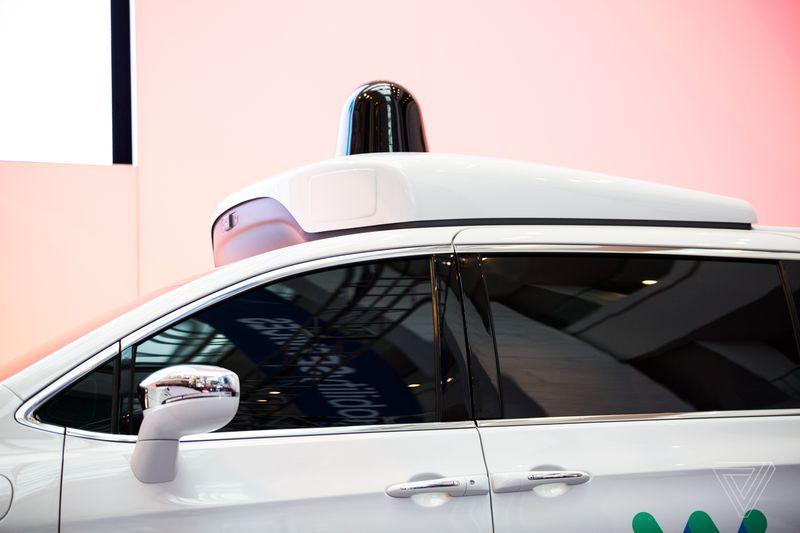 乐视又被讨债,最多欠2亿;谷歌新专利将自动驾驶汽车用于出行