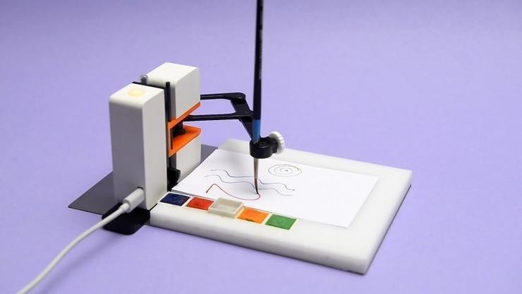 绘画机器人,用笔帮你画出一个新世界