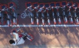 停摆的卡拉VS疯狂的摩拜,共享单车大洗牌时代来临