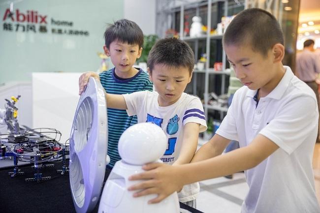 立足B端,开拓C端,能力风暴正在打造一个教育机器人新生态