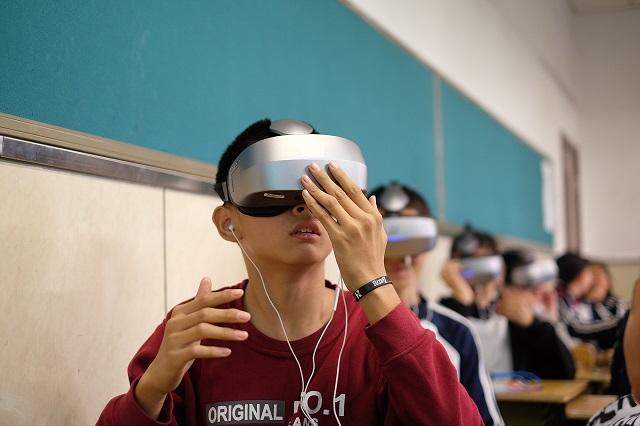 要想解决用户需求碎片化问题,VR教育还需从交互性学科下手