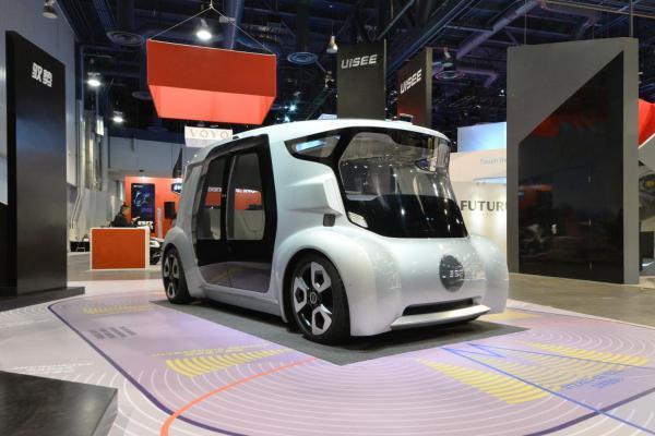 无人驾驶上路还早,但低速场景的应用可能一年内就能商用