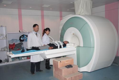 """堪称""""体内CPU""""的微型医疗设备,可以让医生自定义诊断方式"""