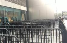 iPhone 8冷清开售;HTC 400万美元领投VR社交公司VRChat