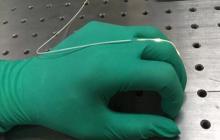 研究人员发明可穿戴型弹性光纤,可精准测量到人们的每一次呼吸