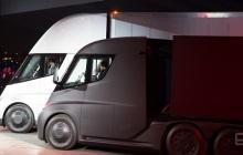 特斯拉电动卡车Semi和全新Roadster亮相发布会,续航能力均超800公里