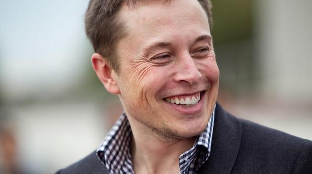 马斯克要将特斯拉汽车送上火星,还要将《太空怪人》作为背景音乐