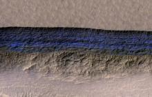 研究人员发现火星存在大量水冰积层,且距离地表只有几米