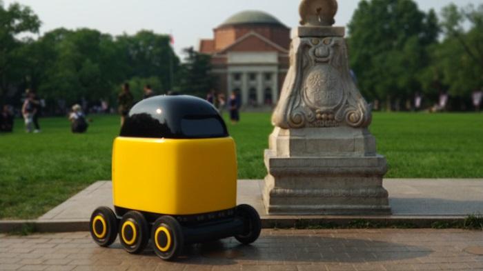 """真机智能刘智勇:无人配送是一个必然走向,机器人将成为新的""""快递员"""""""