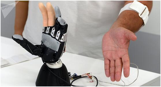 美科学家创造电子皮肤 有触感可感知温度变化