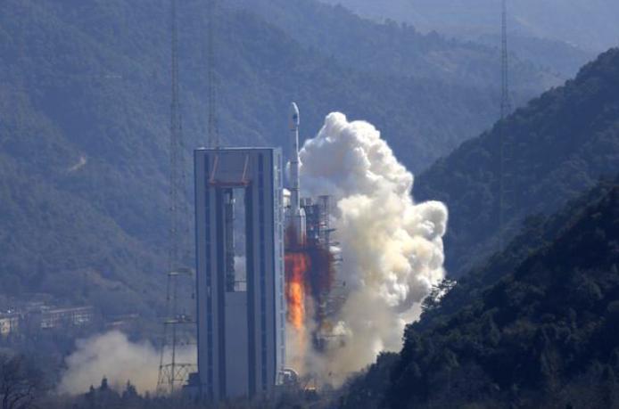 我国成功发射两颗北斗三号全球组网卫星;博通获12家机构1000亿美元贷款承诺