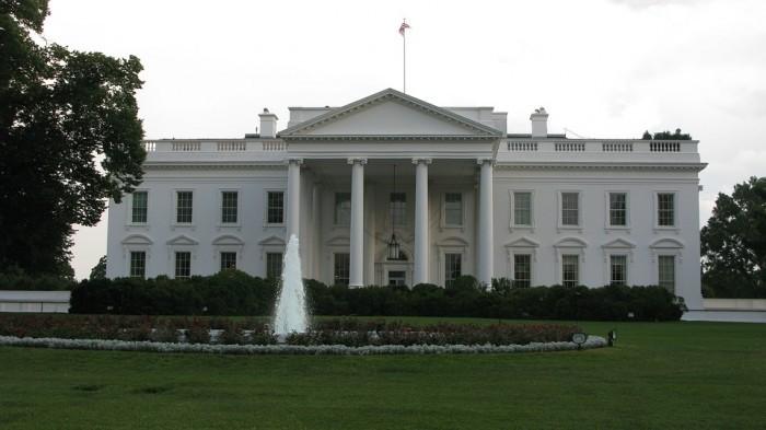 白宫周四召开人工智能峰会;Facebook新增区块链团队
