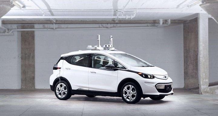 通用计划明年推出自动驾驶出租车共享服务,可定制化设计车辆