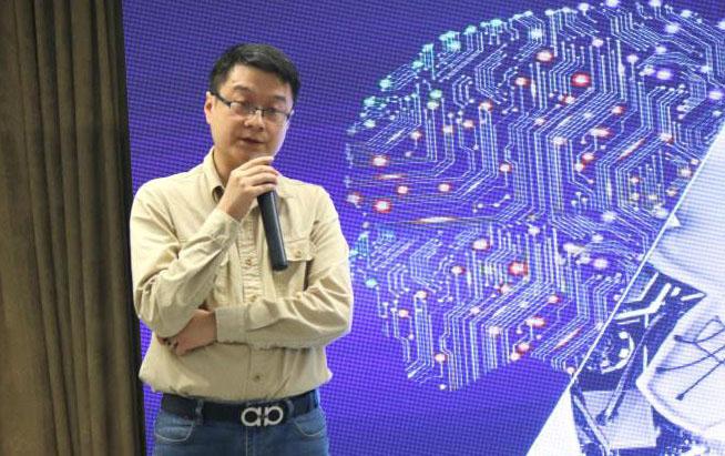 """重庆锐纳达樊清涛:坚持""""以人为本"""",以应用服务来培育家用机器人市场"""