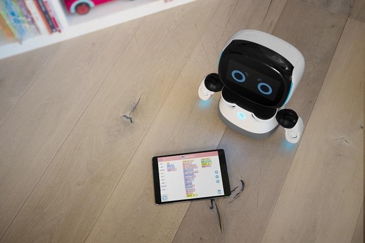 钕娲创造郭柳宗:立足高性价比和内容,面向儿童打造人性化的机器人产品