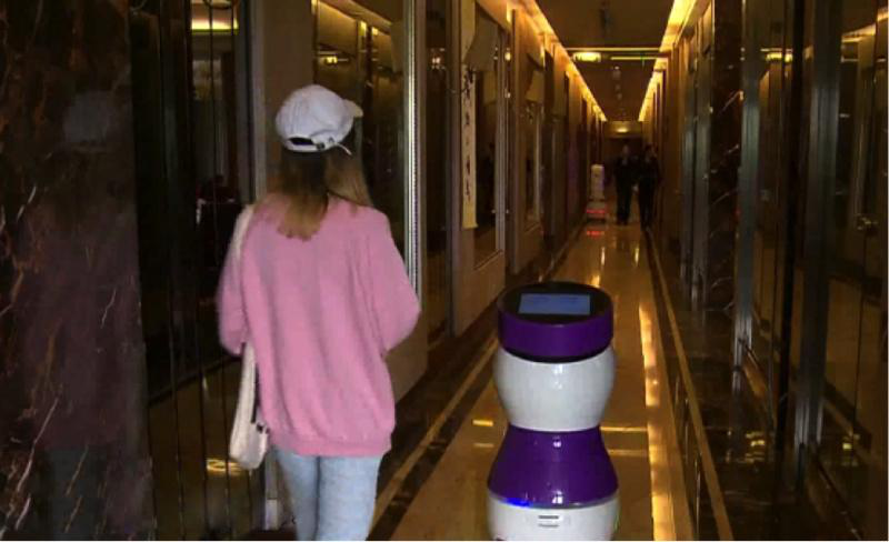 擎朗智能李通:行业最大的问题是参与者很多,真正做有用机器人的太少