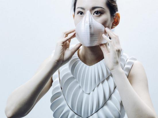 英国科学家研发新型3D打印服装Amphibio,可让用户在水下自由呼吸