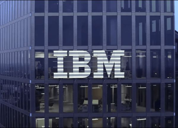 IBM斥340亿收购Red Hat,将其变成IBM混合云分布的一个部门