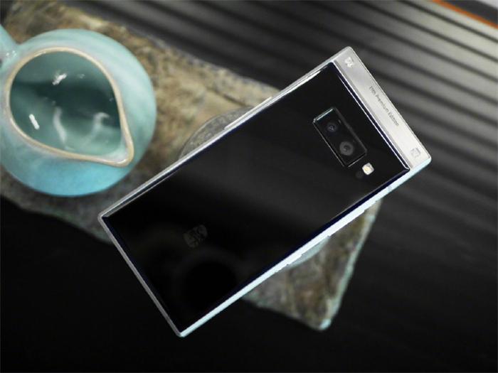 镶锆石、侧边指纹、双屏翻盖机,三星的这款2万块手机,只有土豪能懂