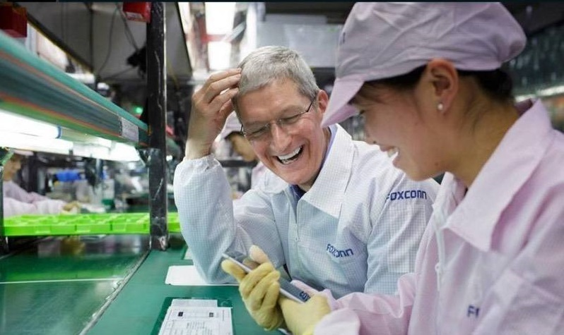 """咬不动的""""苹果"""",被牵连的""""富士康们"""""""
