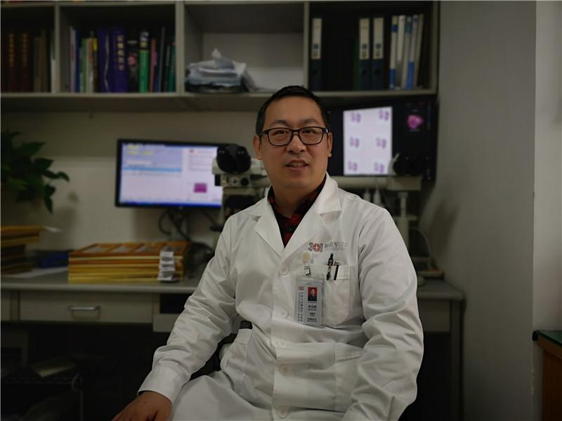 """透彻影像王书浩:用AI""""复制""""大脑,弥补病理医生的9万缺口"""