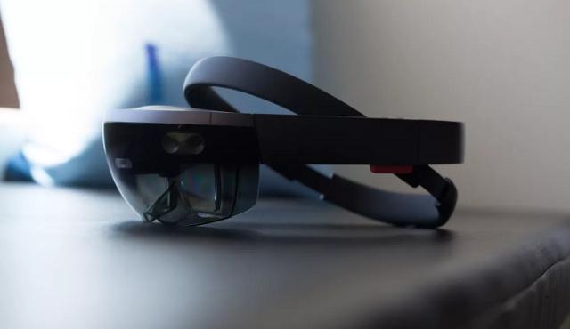 诺基亚发布世界首款后置五摄手机;微软发布HoloLens 2新一代混合现实设备