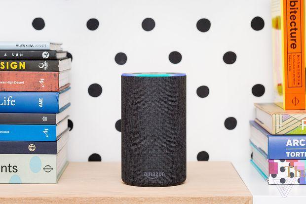美国议员提出法案,称科技公司应主动消除算法偏见;美媒称富士康工厂开工9个月无进展