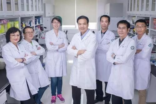 埃默里大学突然开除华裔遗传学家李晓江和李世华教授夫妇,并要求30天内遣返回国